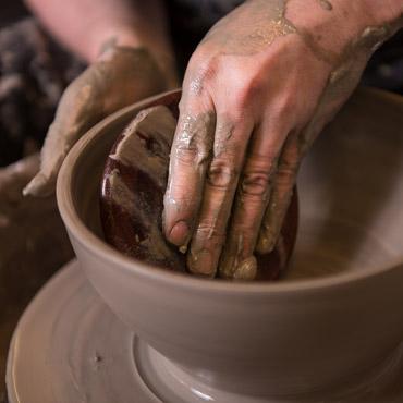 Image if someone making pottery bowl - Thumbnail image
